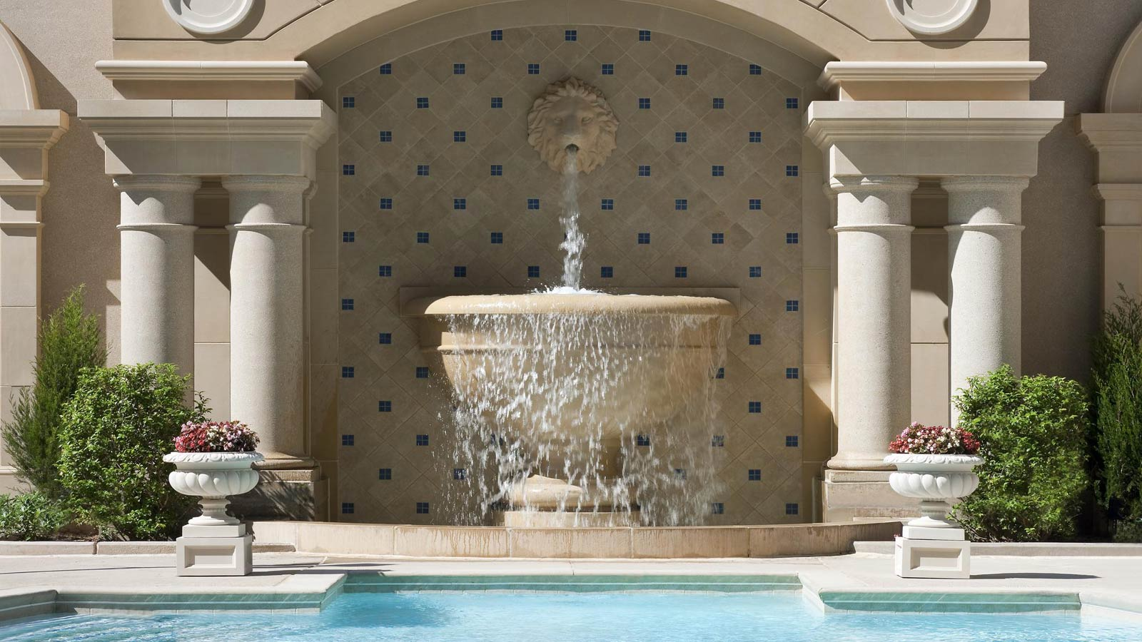The St. Regis Atlanta - Pool Fountain